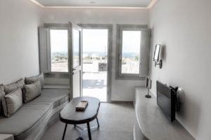63santorini-accommodation-soil-of-sun-63